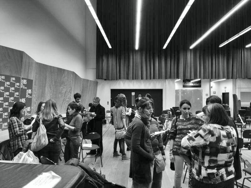 Los BOSlaris han establecido contacto en la sala de ensayos de la Sinfónica de Bilbao. Foto tomada del muro de la BOS en Facebook.