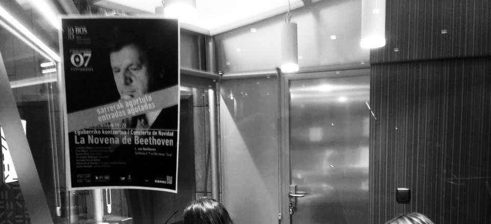"""La Coral y la Novena lograron el cartel de """"no hay entradas"""" en las taquillas del Euskalduna Foto: fragmento retocado de una foto de la BOS en Facebook"""