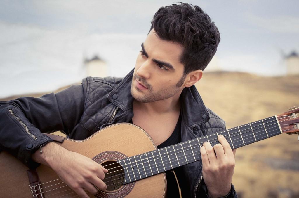Milos, guitarrista montenegrino. Foto: http://milosguitar.com/