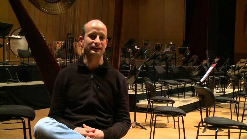 El maestro Guillermo García Calvo Foto: extraída del canal Youtube de la Orquesta Sinfónica de Galicia