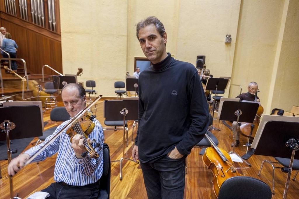Juan Jose Ocon en la sede de la OSE. Foto: Luis Michelena / Diario Vasco