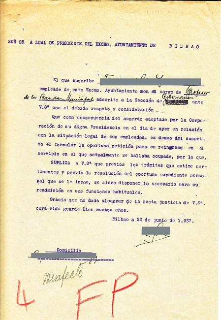 """1937ko ekainaren 22ko dokumentua, irakasle batek sartua, irekita zuen txostena itxi eta orkestran berriro sartzeko eskariarekin. Agiriak """"Desafecto"""" hitza dakar, eskuz idatzita."""