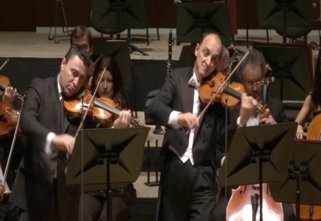 Massimo Spadano (derecha) tocando el Doble concierto para violín, BWV 1043, de Bach con Maxim Vengerov. Foto: YouTube