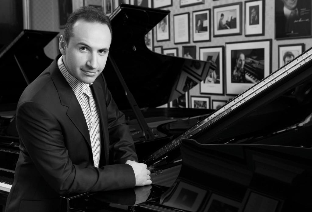 Simon Trpceski, pianista. Foto: http://www.citygonow.com (no figura autor)
