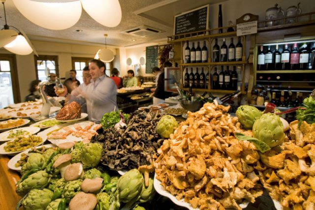 Comer bien agudiza los sentidos. Disfrutar en el Ganbara es un pórtico ideal para cualquier concierto. Foto: ©www.diariovasco.com