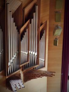 Uno de los dos cuerpos del órgano Karl-Schucke (2000), de 71 registros y cuatro teclados. Foto: Pablo Cepeda