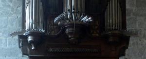 Tubería vertical y horizontal (en batalla) del órgano barroco de Mañaria. Foto: Pablo Cepeda