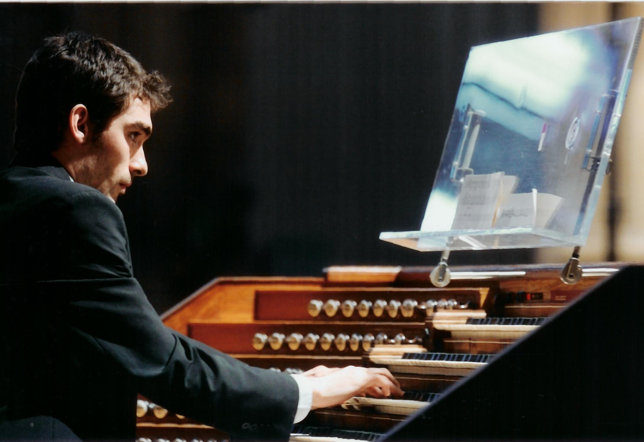 Noël Hazebroucq improvisa en torno al paisaje en el órgano de Artea