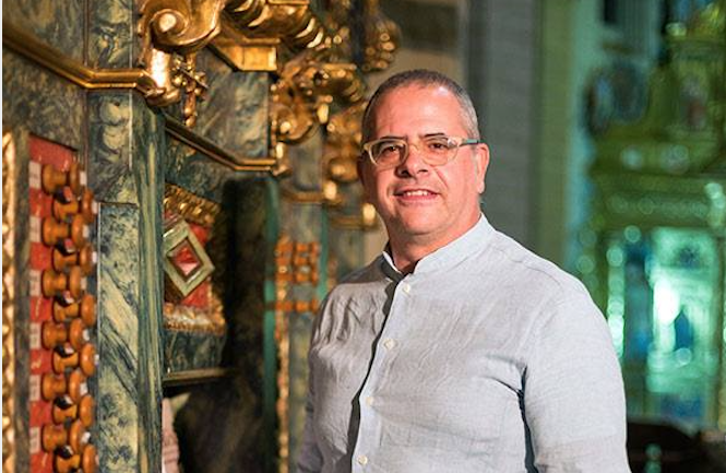 Benantzi Bilbao recorre el barroco en el órgano de Loiu