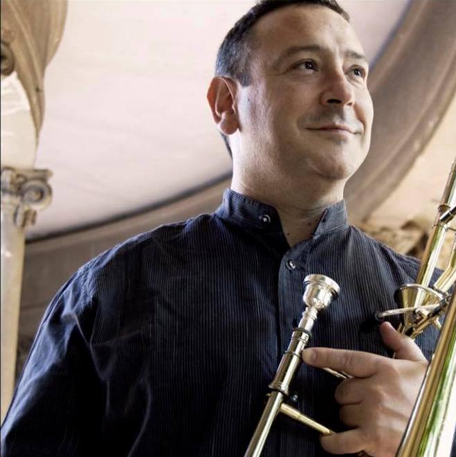 Joseba Lopezortega entrevista al trombonista Alberto Urretxo